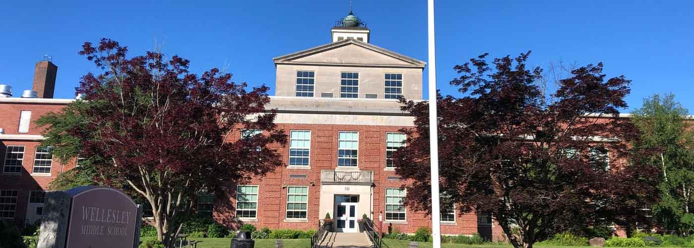 Wellesley Middle School facade from Kingsbury Street